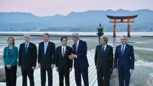 les-ministres-des-affaires-etrangeres-du-g7-sur-l-ile-de-miyajima-a-hatsukaichi-au-japon-le-10-avril-2016_5579151