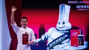le-chef-du-restaurant-t-ang-court-justin-tan-devient-le-premier-trois-etoiles-du-guide-michelin-en-chine-a-shanghai-le-21-septembre-2016_5686413