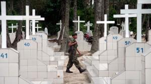 un-soldat-patrouille-lors-des-funerailles-de-welly-nzitonda-a-bujumbura-le-10-novembre-2015_5462046